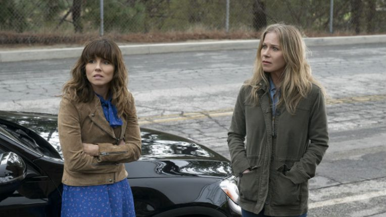 Linda Cardellini and Christina Applegate in Netflix comedy Dead to Me