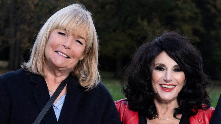 Linda Robson and Lesley Joseph back together in the 2020 Birds of Feather Christmas special