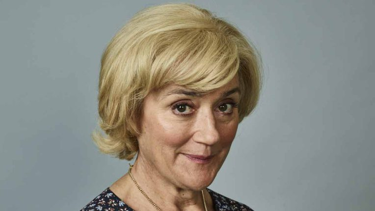 Sophie Thompson as Jeannie Swallows in Sandylands
