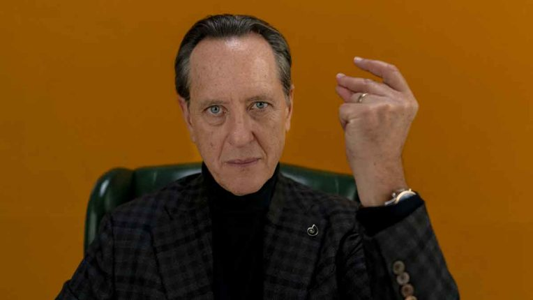 Richard E Grant in Dispatches from Elsewhere