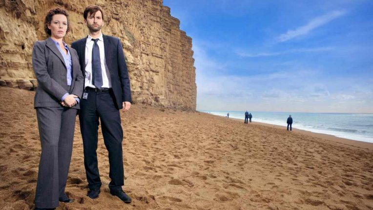 Olivia Colman and David Tennant, playing Ellie Miller and Alec Hardy, on the Dorset beach