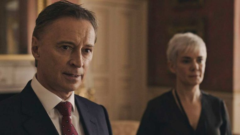 Robert Carlyle as the Prime Minister, flanked by Victoria Hamilton as his chief of staff.