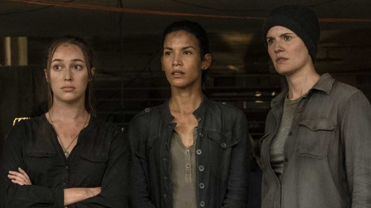 Danay Garcia with Alycia Debnham-Carey and Maggie Grace on the set of Fear the Walking Dead