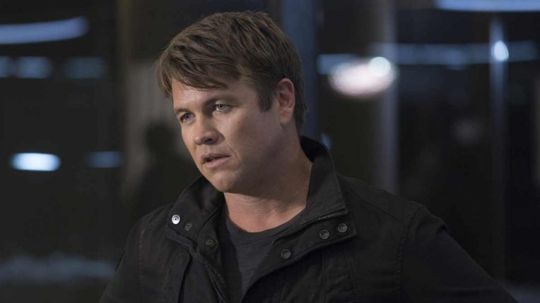 Luke Hemsworth as Ashley Stubbs, head of Westworld security