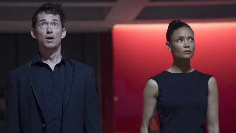 Simon Quarterman as Lee Sizemore and Thandie Newton as Maeve Millay