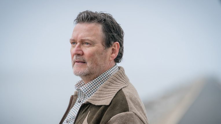 Ian Puleston-Davies plays Donald 'Don' Vernon in Viewpoint