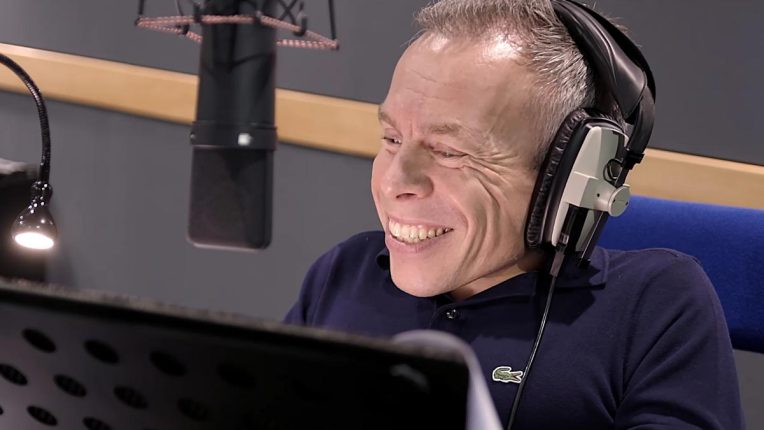 Warwick Davis recording his voiceover for Master Moley