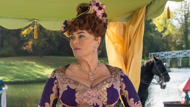 Polly Walker plays Lady Portia Featherington